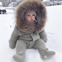 chaquetas de bebé recién nacido al por mayor-Bebé recién nacido lindo gruesa capa de bebé ropa de invierno chaqueta con capucha Menina niño caliente de la capa Equipos para niños ropa de las muchachas del traje