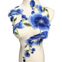 embellissement applique achat en gros de-2 PCS brodé fleurs bleues garnitures tissu pivoine mariage Appliques Ruban Bord bricolage Passementerie Patch Pour Robe De Mariée Jeans Embellissement