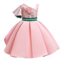 vestido de novia de princesa rebordear al por mayor-Venta al por menor vestido bordado de la muchacha de un hombro rebordear vestidos de niñas de flores bebé niños diseñador de lujo fiesta de la princesa vestido de boda boutique
