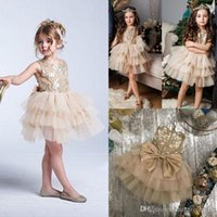 ingrosso modelli di coda di fiori-Gold Flower Girl Dress Abiti Coda lunga Girls Pageant Dresses Beaded Little Girl Dress Model Walking Show Girl In Stocks