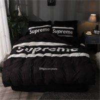 modern yataklar ücretsiz gönderim toptan satış-Modern Tasarım Moda Lüks Nevresim Klasik Harf Baskılı Ins Yatak Sıcak Satış Yüksek Kalite Sıcak yatakları ayarlar Ücretsiz Kargo ayarlar