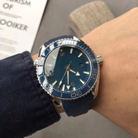 ingrosso orologio blu del pianeta-L'alta qualità movimento automatico Sea Master pianeta oceano zaffiro cristallo blu quadrante orologio da uomo in gomma spedizione gratuita
