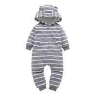säuglingsjungenspielanzug grau großhandel-Säugling Baby Jungen Kleidung Lässig Unisex Neugeborenen Strampler Fleece Streifen Langarm Mit Kapuze Einteilige Kleidung Overalls Grau J190526