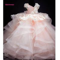 imágenes de la flor del bebé niñas al por mayor-2019 Baby Pink Lush Pageant Vestidos para niñas Flor 3D Perlas de encaje Niños Imágenes Sesiones de fotos Vestidos Vestidos de niña de flores