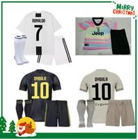 0d975fb3729 18 19 Juventus RONALDO Kit Enfants 2018 EMRE CAN HIGUAIN Juve garçon  Enfants Maillot Football DYBALA Uniforme de Football Enfants PJANIC  MANDZUKIC Jeunesse