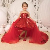 roter tüllkleid großhandel-Sparkle Red Pailletten Little Girls Pageant Kleider 2019 Abnehmbare Tüll Zug Ballkleid High Low Kids Weihnachten Geburtstag Party Kleider mit Schleife