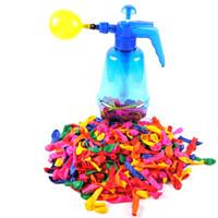 kinder pumpt großhandel-Tragbare Luft Wasserbombe Ballonpumpe mit 500 Stück Luftballons für Kinder Party im Freien Spielzeug Ballons (Pumpe und Luftballons zufällige Farbe)