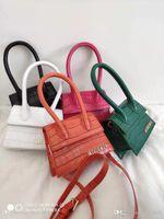 krokodil-designer-taschen groihandel-neue rote Designer-Modeschau Krokodilmuster kleine Tasche wilde kleine Beutel Schulter tragbar dekorative Tasche geschlungen