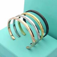 pulseiras de ouro para namorada venda por atacado-Pulseira T Carta Aberta Bangle Gold Silver pulseira de aço inoxidável Moda jóias namorada Mulheres aço do titânio presente