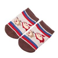 baby-weihnachtshefterzufuhren großhandel-1 Paar Weihnachten Weihnachten Baby Kleinkind Socken Neugeborenen Baumwolle Jungen Mädchen Anti-Rutsch Kawaii Anti-Skid Kleinkinder Hausschuhe Socken
