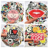 bolsas de regalo de personalidad al por mayor-100 unids / set Impermeable Motocicleta Graffiti Etiqueta Personalidad Equipaje DIY pegatinas de dibujos animados PVC pegatinas de Pared bolsa de accesorios para niños juguetes de regalo