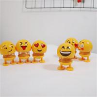 brinquedos de plástico primavera venda por atacado-Sorriso Emoji Primavera Boneca de Brinquedo do Miúdo Balançando Coração em Forma de Coração Brinquedos Vários Estilos De Cimento De Plástico Amarelo Adorável 4 5jy C1