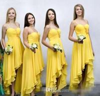 vestidos de noiva amarelo floral curto venda por atacado-Atacado Charme Amarelo Curto Frente Longo Voltar Vestido de Dama De Honra Chiffon Cintas de Espaguete Floral Corpete Plissado Maid Of Honor Vestidos