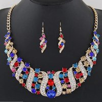 ingrosso la collana dei monili nuziali indica l'indiano-Set di gioielli da sposa in cristallo Accessorio per costume da sposa Collana indiana Set di orecchini per la sposa Splendida serie di gioielli da donna