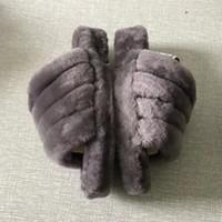 mulheres inverno botas peludas venda por atacado-2019 Designer de luxo das Mulheres Sapatos Austrália Fluff Sim Designer de Slides Furry Slides Chinelos De Pele Botas Sapatos Casuais Outono E Inverno