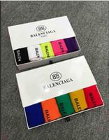 chaussettes colorées pour hommes achat en gros de-marque 5 paire avec boîte hommes femmes bb classique lettre Logo moyen tube coton chaussettes planches à roulettes amoureux du sport coloré bas