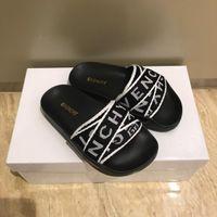 kızlar için plaj terlikları toptan satış-Tasarımcı Mektup Çocuk Ayakkabı Kız Erkek Terlik Sevimli Karikatür Rahat Moda Çocuk Terlik Kaymaz Kızlar Terlik Plaj Ayakkabı