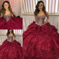 ingrosso shirt increspatura in cascata-2018 Tiered Cascading Ruffles Quinceanera Dresses Pageant Dazzling Crystal Rhinestone Borgogna Organza Ball Gown Prom Dress Sweet 16 Abiti