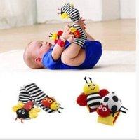 bebek oyuncak ayak çorap bebek toptan satış-Bebek Çıngırak Çorap Bebek Handbells Sıcak Bebek Oyuncakları Bebek Ayak Bulucu Karikatür Hayvanlar Çıngırak Bebek Çıngırak Ayak Çorap için Bilekliği 5 grup