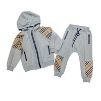 nuevos conjuntos de chándales de niños al por mayor-Venta al por menor 2019 nuevas muchachas de los muchachos de tela escocesa de trajes de chaqueta de punto con capucha del chándal del deporte 2pcs set (jacket + pant) los niños de lujo del diseñador de trajes para bebés chándales