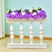 bolas de natal de vidro azul venda por atacado-Ouro Branco Plástico Roman Column Cerca Guia Estrada Props Artificial vaso de flores estande com arranjo de flores para o contexto de casamento