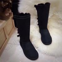 botas de cuero de gamuza para mujer al por mayor-Zapatos Mujeres Australia Tall completa de la rodilla botas de tres arcos clásico de alta botas de nieve UG genuino de la marca del cuero de gamuza nieve de la piel botas de invierno C102401