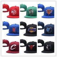 bonés de futebol preto venda por atacado-Novos tampões de marca de basquete snapback chapéus de couro cor preta cap futebol equipe de beisebol chapéus mix jogo ordem todos os bonés top quality chapéu