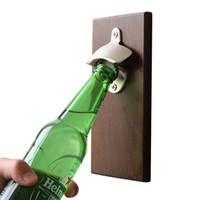 ingrosso magnete di birra-Creativo Vintage Magnet Apribottiglie di legno Soda Beer Openers Magnete Frigo Utensili da cucina Strumenti di apertura di bar