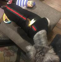 ropa de sudadera al por mayor-Diseño de marca Sudaderas con capucha para perros Ropa casual para mascotas Ropa linda de Schnauzer para cachorros de peluche Otoño Invierno Outwears Sudaderas Hip Hop para perros pequeños