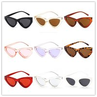 espetáculos de quadro de moda venda por atacado-New Fashionable Full-rim Spectacles Retro-shaped Triângulo Cat Eye Sunglasses Tamanho Pequeno Quadro 9 estilos opcionais frete grátis.
