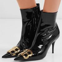 siyah altın stiletto ayakkabı toptan satış-Stiletto Yüksek Topuklu BB Altın Süslenmiş Ayak Bileği Çizmeler Sivri Burun Kadın Ayakkabı 2019 Yeni Varış Kadın Çizmeler Siyah Deri