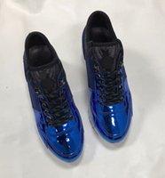 zapatos de escalada al por mayor-Run Away Suela de ante Zapatillas de deporte superiores con cordones Zapatos de diseñador Tipo de borde de metal de metal Botas de escalada Zapatillas de deporte para correr al aire libre 1L0V1 con caja