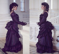encaje victoriano gótico vestidos al por mayor-Victorian púrpura gótica de la boda vestidos retro Casa Real Duquesa de bola vestidos de boda de manga larga de encaje con pliegues vestido Aristocracia del renacimiento