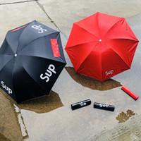şemsiye erkekler siyah toptan satış-Sup Marka Şemsiye Katlanır Öğrenci Şemsiye Erkekler Ve Kadınlar Güneş Geçirmez Güneşli Yağmur Çift Amaçlı Siyah Kırmızı 24fc C1