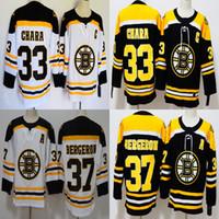 patrice bergeron siyah buz forması toptan satış-Erkekler Boston Bruins # 33 Zdeno Chara # 37 Patrice Bergeron beyaz siyah buz hokeyi formalar yetişkin boyutu mix sipariş ücretsiz kargo