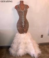 ingrosso vestito bianco da promenade del rhinestone della piuma-Abiti da ballo di lusso con piume di cristallo bianche di strass 2019 Abito da cerimonia lungo africano a sirena Abito da ballo nero per ragazze di laurea