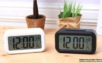 ingrosso sveglia multifunzionale-Multifunzionale orologi da tavolo Smart Sensor Nightlight digitale con termometro di temperatura della sveglia del calendario silenzioso scrivania sveglia Snooze