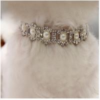 köpekler elmas taklidi tasma toptan satış-Hi_kenty Rhinestone İnci Kolye Köpek Yaka Alaşım Elmas Yavru Küçük Köpekler Köpek Aksesuarları Için Pet Yaka Tasmalar