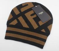 homens inverno chapéus moda venda por atacado-Frete grátis malhatampas Fendi quente vermelho Moda Gorro Outono Homens Winter Cotton Hat nova 3color atacado de Mulheres