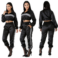 frauen zwei stück hosen anzüge großhandel-2019 Reflektierende Trainingsanzug 2 Zweiteiler Frauen Kleidung Schwarz Crop Top + Pants Trainingsanzug Sexy Club Outfits Passende Sets