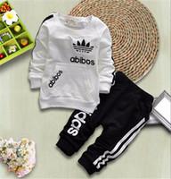 ingrosso set di vestiti appena nati-Kids Designer Clothes Girls Tute Bambini Brand Tute Bambini Cappotti Pantaloni 2 Pz / set Baby Boy Vestiti Vendita calda Neonato Vestiti del neonato