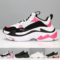 Wholesale retro sport basketball shoes for sale - 2018 INS Fashion Paris FW Triple S Sneaker Triple S Casual Luxury Retro Dad Shoes for s Men Women black White Sports