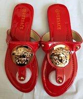 frau sandalen 42 großhandel-2019 Frauen Sandalen Designer Schuh Luxus Rutsche Sommer Mode Breite Flache Glatte Sandalen Slipper Flip Flop Größe 35-42