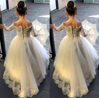 Wholesale short christmas dresses for children for sale - Group buy Vintage Flower Girls Dresses For Weddings Half Sleeve V Neck Lace Appliques Sweep Train Child Birthday Party Gown First Communion Dress