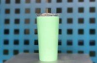ingrosso bottiglie da 16oz-Bicchiere da acqua in acciaio inossidabile da 16 once Bicchiere da viaggio a doppia parete Tazza da caffè per bevande fredde e calde con coperchio scorrevole e staw
