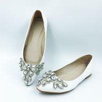 zapatos planos con cuentas de strass al por mayor-Zapatos de boda blancos Ply-Size Rhinestone puntiagudo Beaded Flats Casual zapatos de mujer solteros Productos de boda elegantes Gastos de envío
