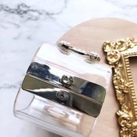 brazaletes de damas de honor al por mayor-Diseñador de moda joyería de las mujeres pulseras C C pulsera de acrílico transparente gran brazalete de moda regalos de dama de honor