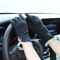 guantes de protección solar al por mayor-Nueva conducción de la mujer antideslizante resistente al deslizamiento de algodón anti-UV Golves Moda Verano / Otoño Mujer Protección solar Guantes antideslizantes Deportes al aire libre