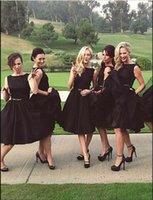 bajo precio vestidos de novia negro al por mayor-Envío gratis una línea de tafetán negro vestidos de dama de honor cortos hasta la rodilla tafetán arco de la correa del precio bajo del banquete de boda vestidos de invitados