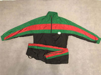 yeşil ceket siyah kollu toptan satış-2019 erkek tasarımcı ceket lüks Siyah kırmızı yeşil eşleştirme Gevşek model giysi Standı Yaka uzun kollu Erkek Kadın gerçek etiket etiketi Yeni